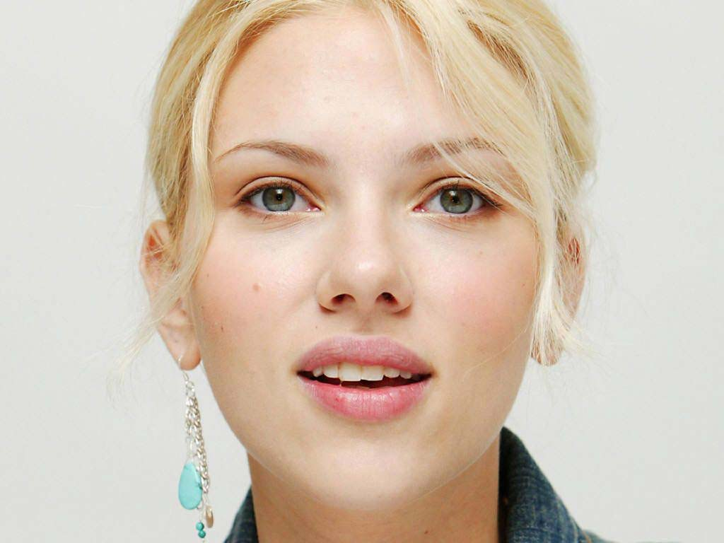 Scarlett Johansson Cute wallpaper #14