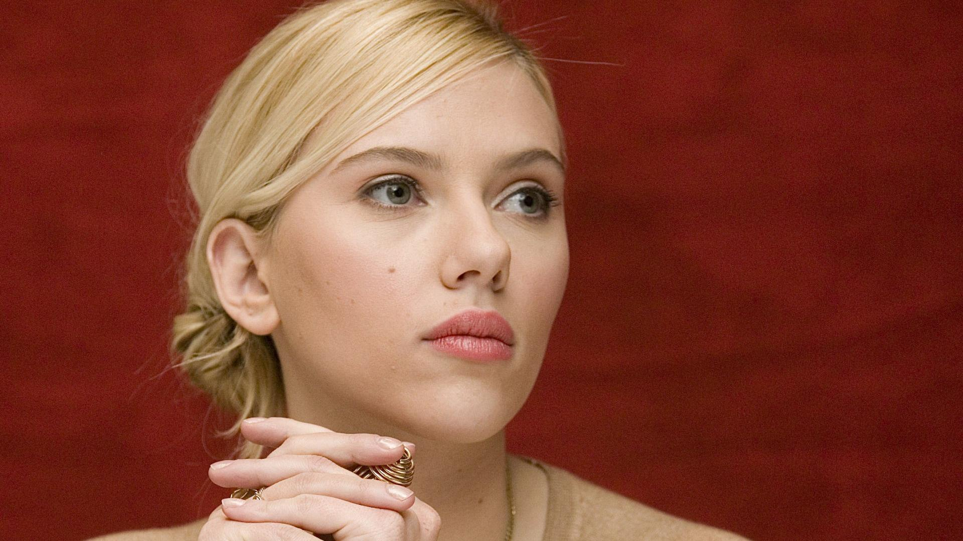 Scarlett Johansson Blonde Girl Actress
