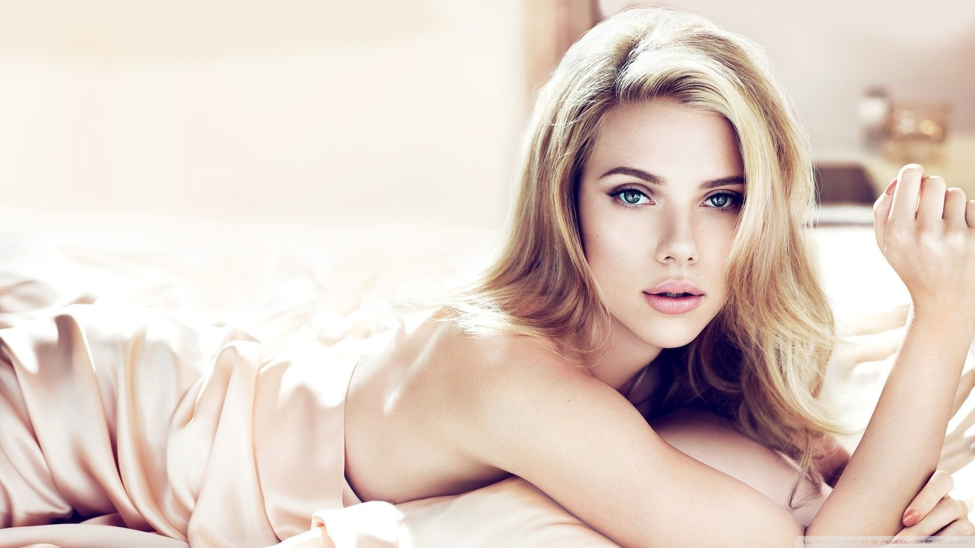 Scarlett Johansson Beautiful HD Wide Wallpaper for Widescreen