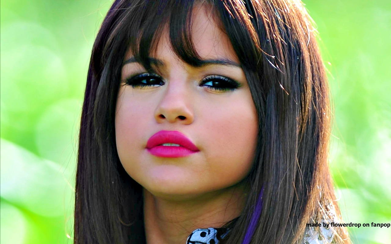 Selena Selena Gomez