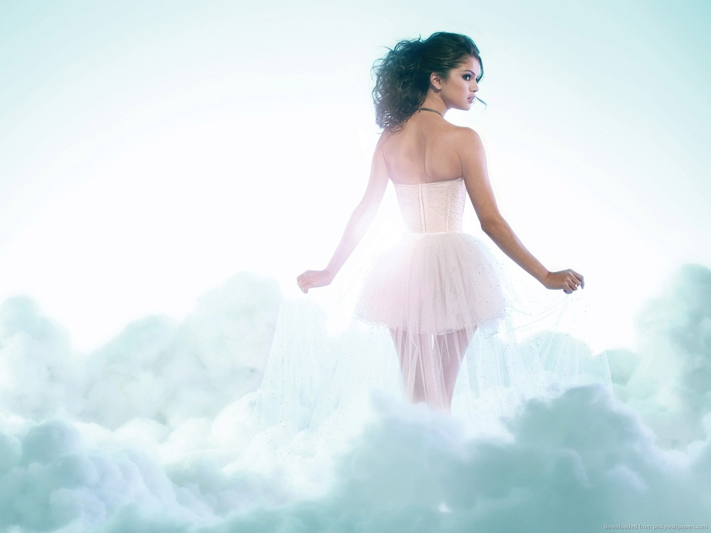 ... Selena Gomez in clouds for 1400x1050