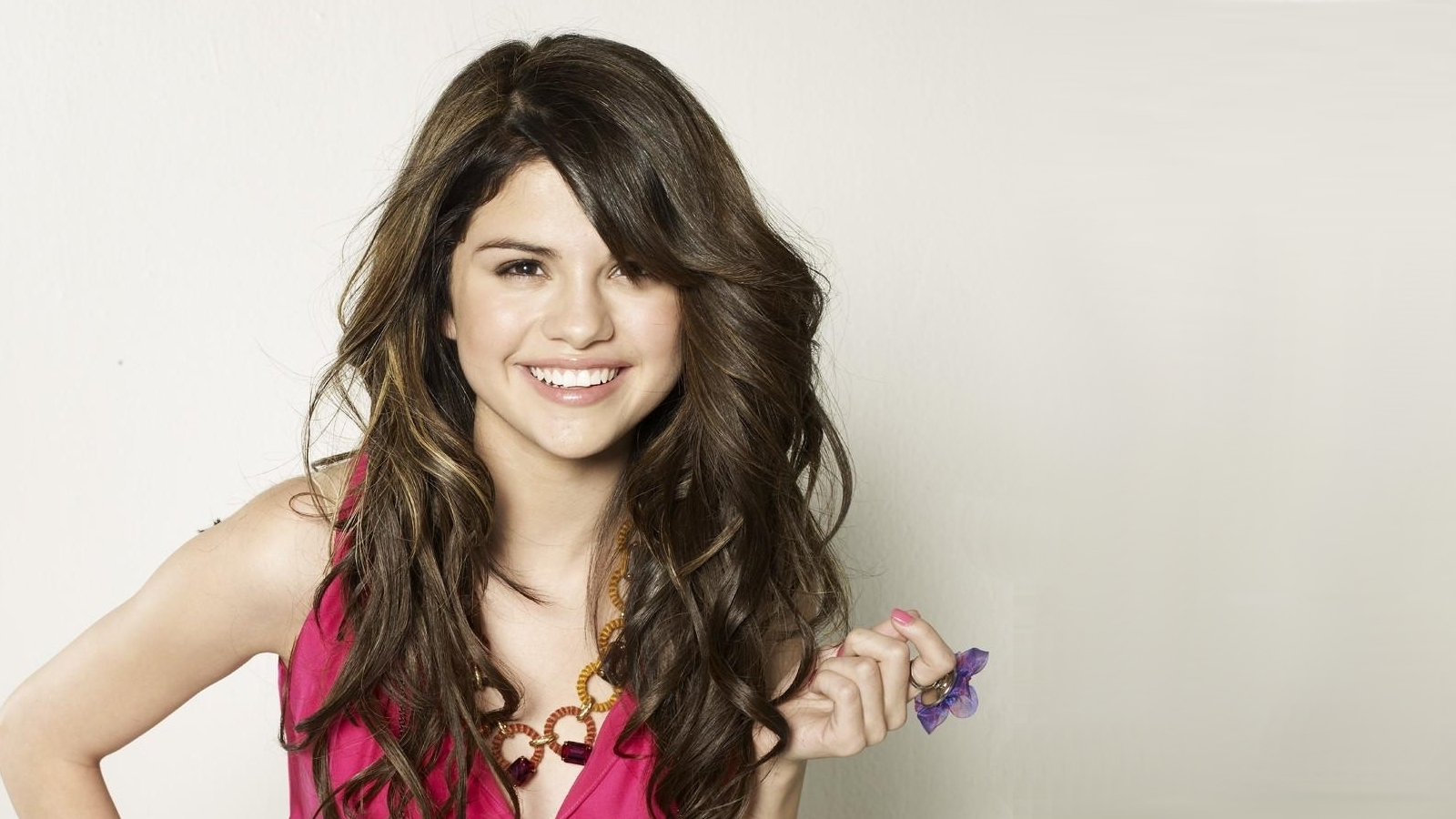 Selena Gomez HD Wallpapers2