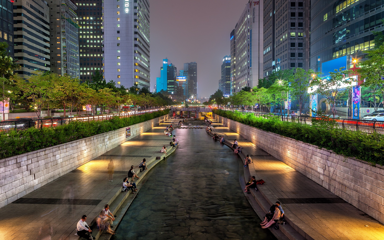 Seoul south korea downtown