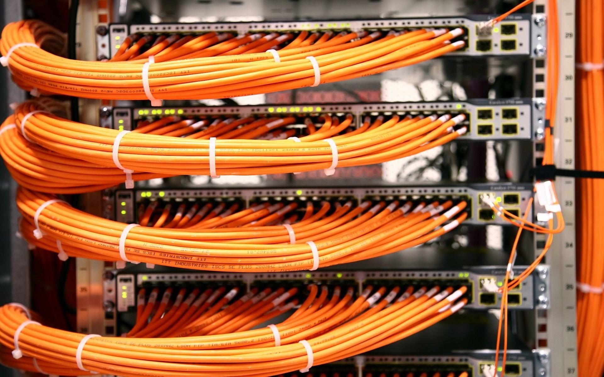 Server ethernet cables