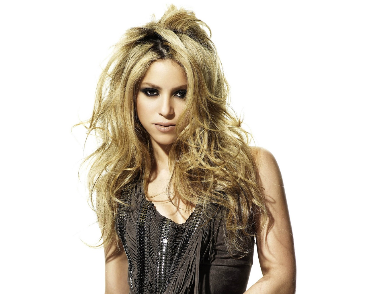 Description: The Wallpaper above is Shakira singer Wallpaper in Resolution 1280x1024. Choose your Resolution and Download Shakira singer Wallpaper