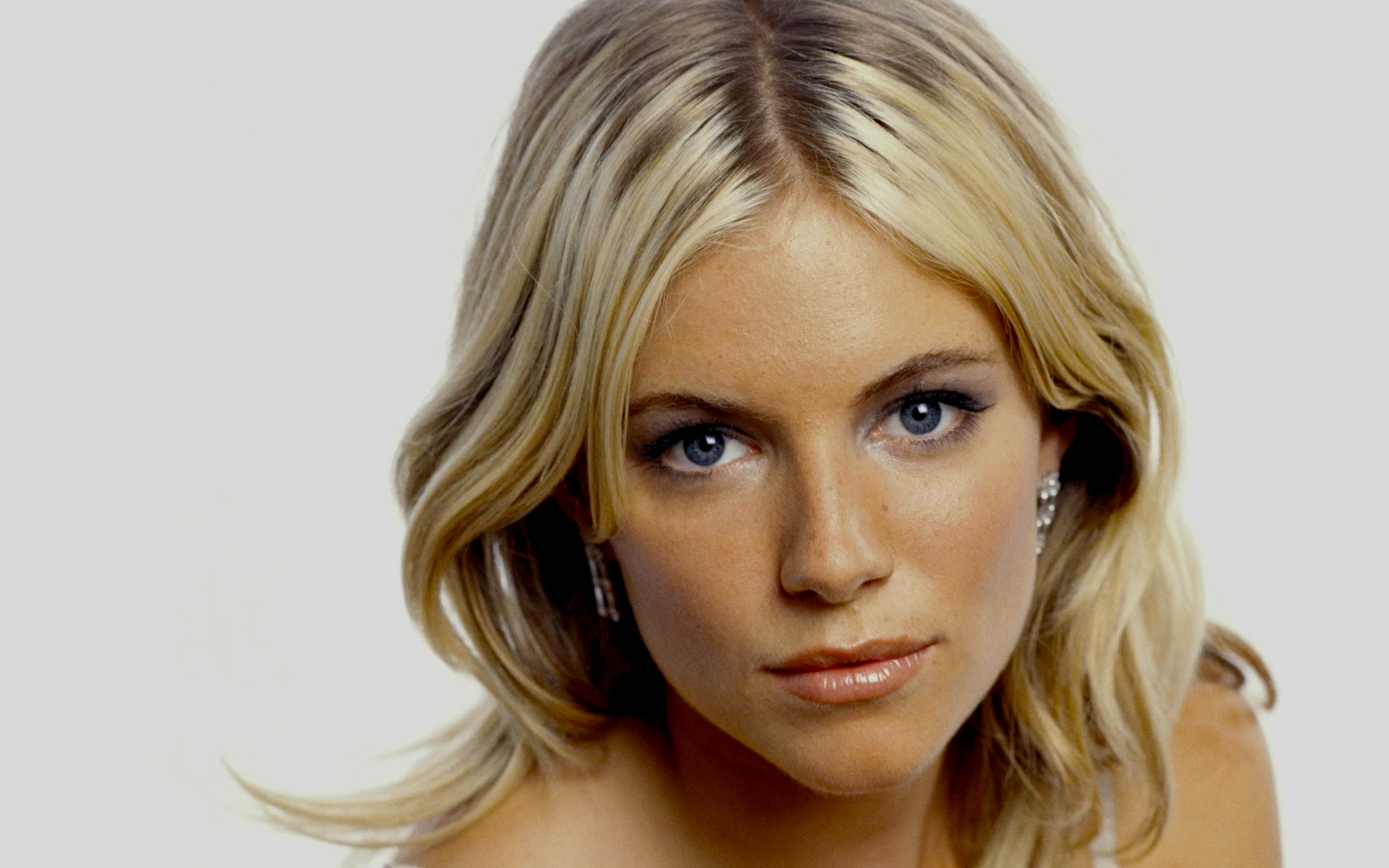 Whit Stillman has a new movie, Love And Friendship, afoot and it now involves the combined talents of Sienna Miller and Chloë Sevigny.