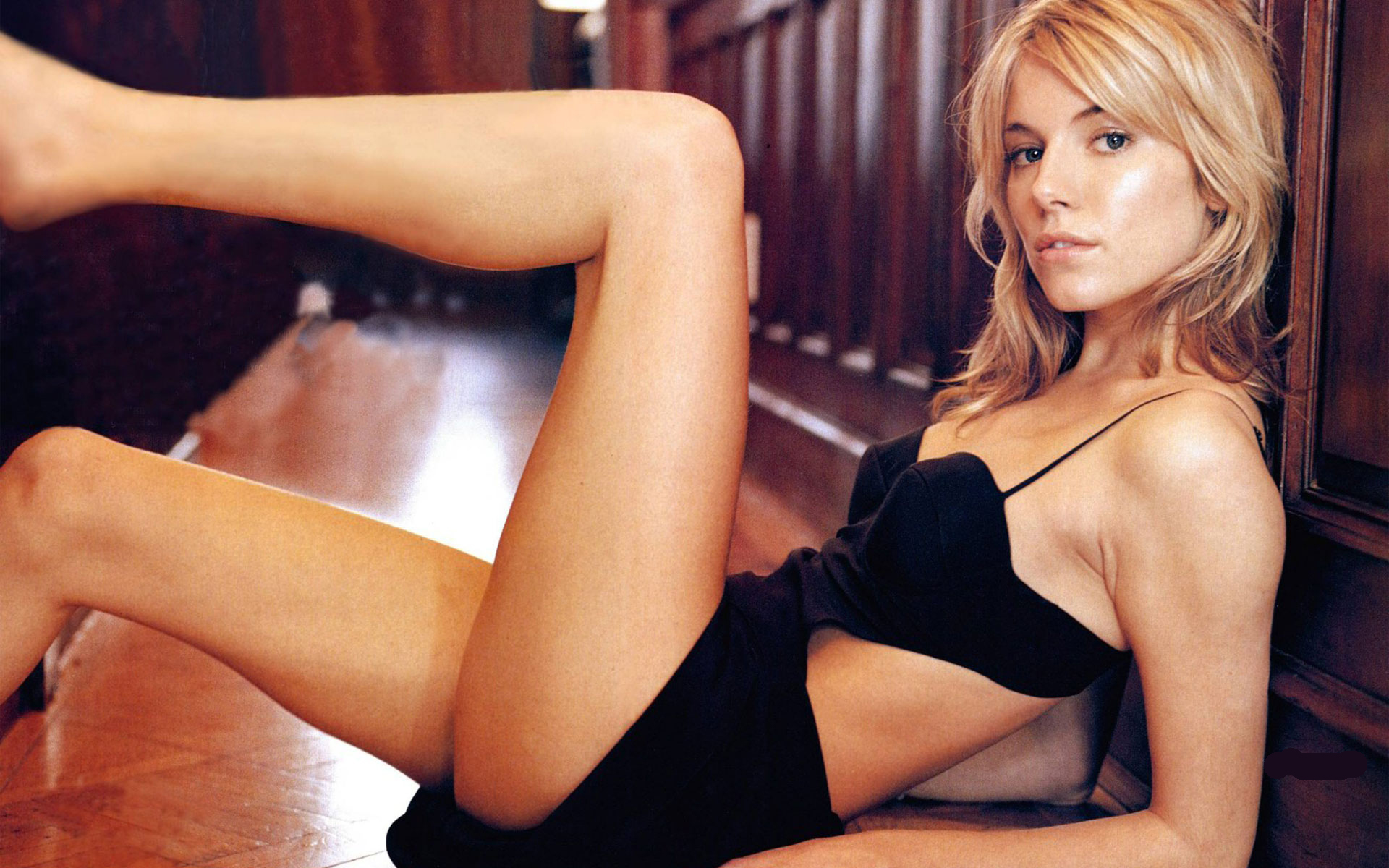 Wallpapers of celebrity's model's - Sienna Miller