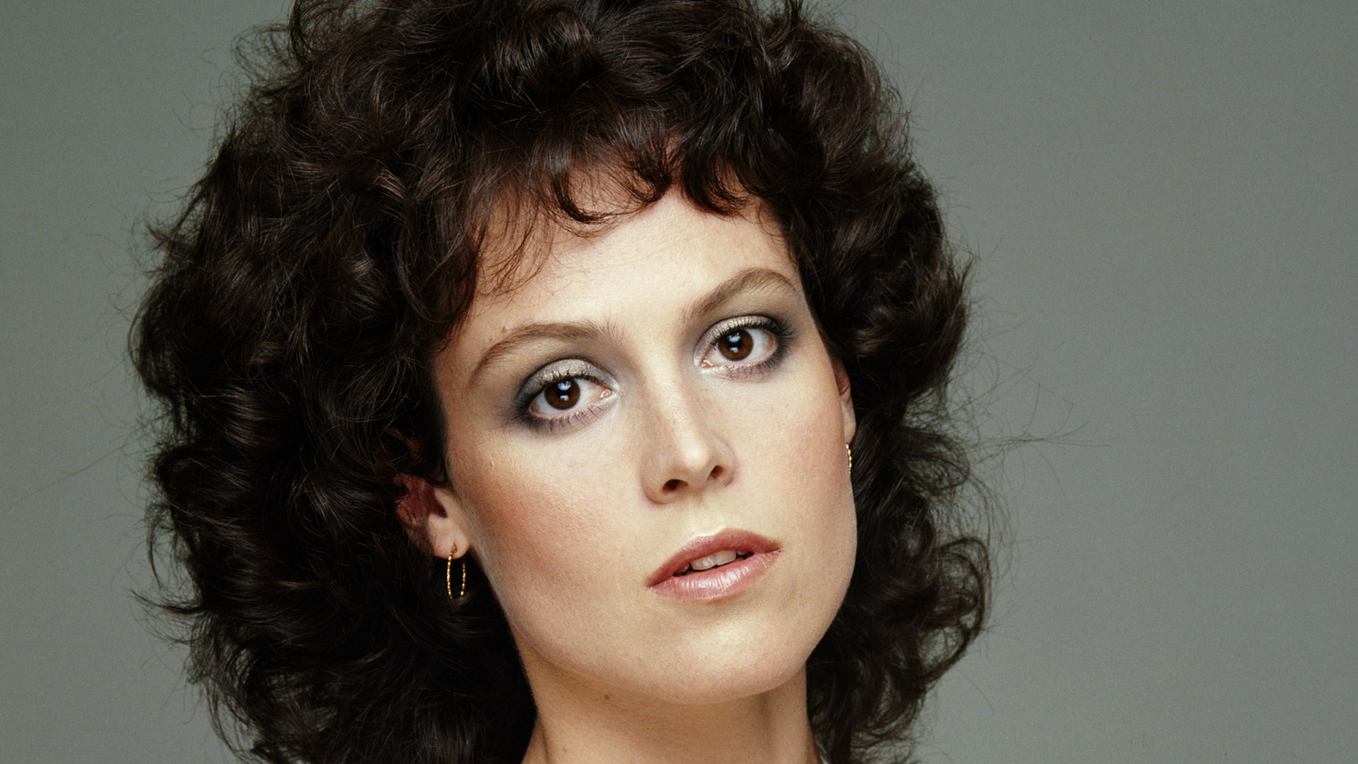 Sigourney Weaver Sexy Wallpaper. Get it now