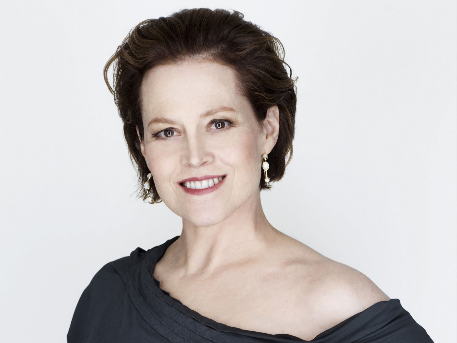 "On 8-10-1949 Sigourney Weaver (nickname: The Sci-Fi Queen) was born in New York City, New York, United States. The daughter of father Sylvester ""Pat"" Laflin ..."