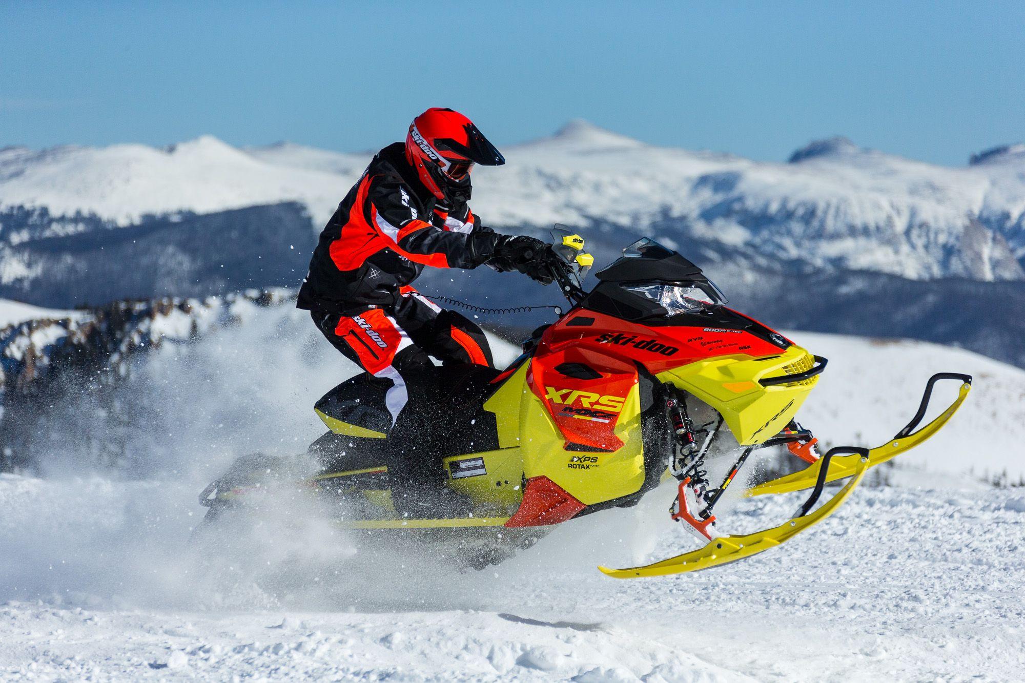 2015 Ski-Doo MXZ X-RS (ROTAX 800R E-TEC) |