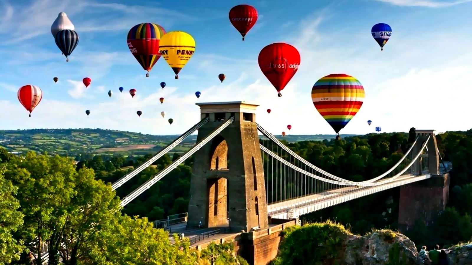 Sky hot air balloons