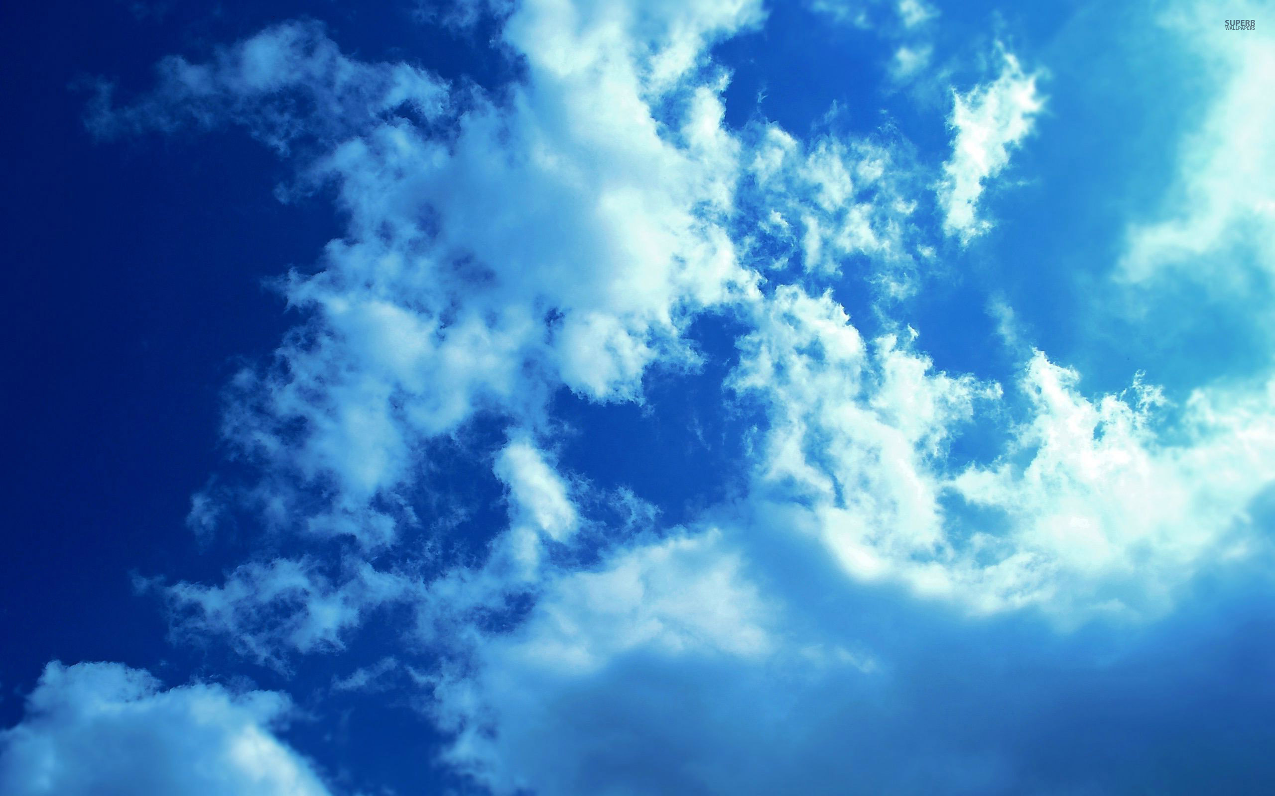 Download White clouds and blue sky wallpaper