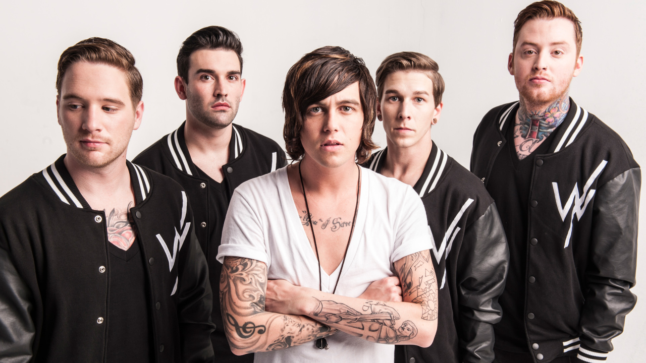 Sleeping With Sirens detail Madness