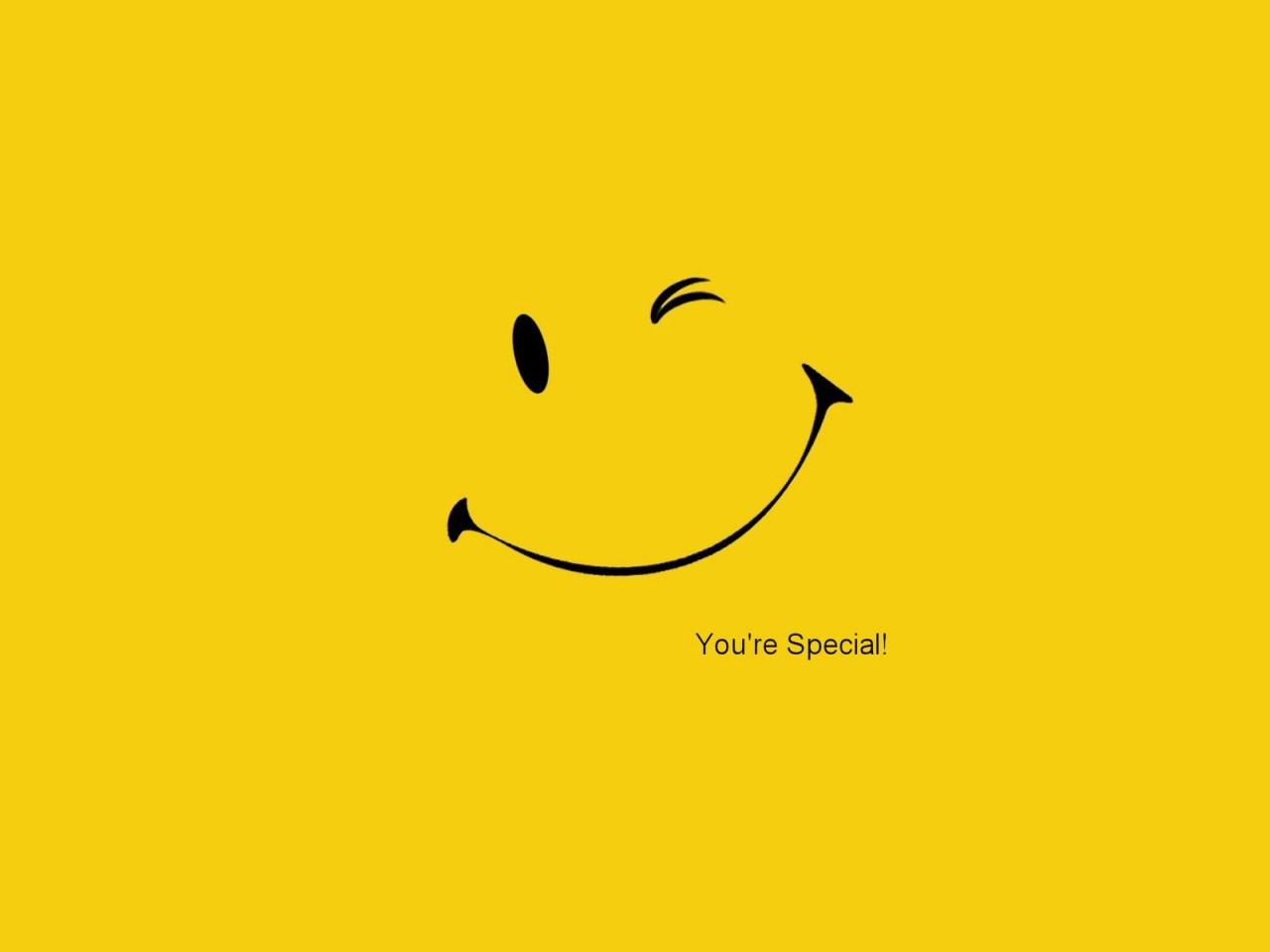 Kimiya Smiley Face Wallpaper ...