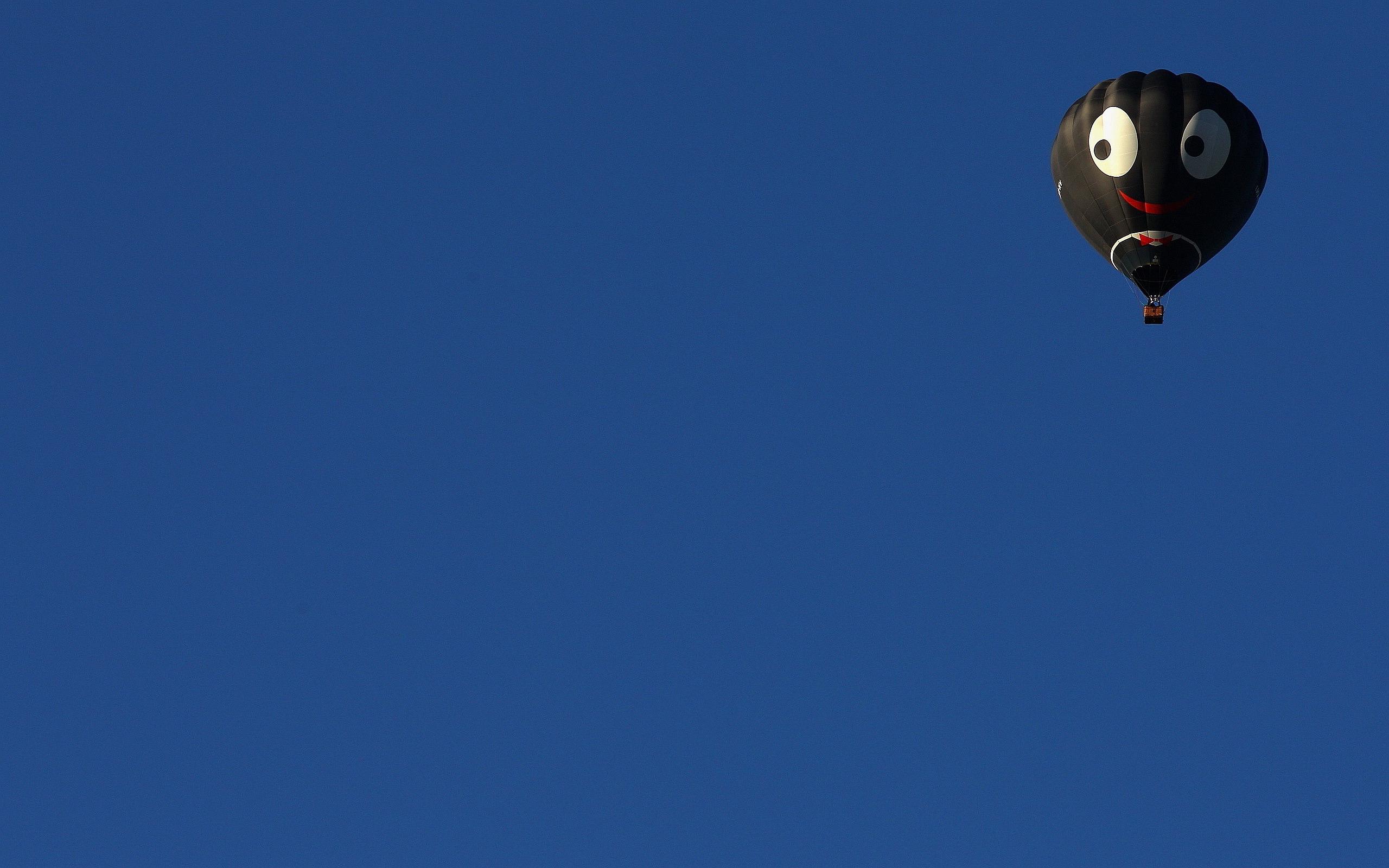 Smiley Hot Air Balloon
