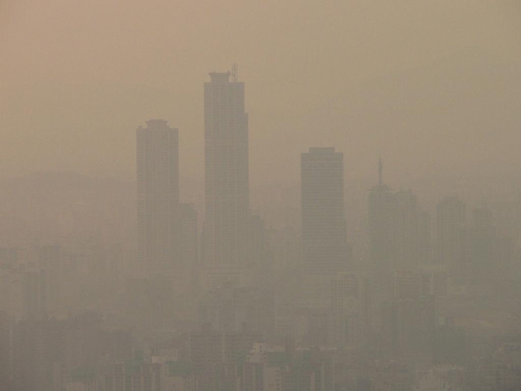 hanging smog | by Nagyman hanging smog | by Nagyman