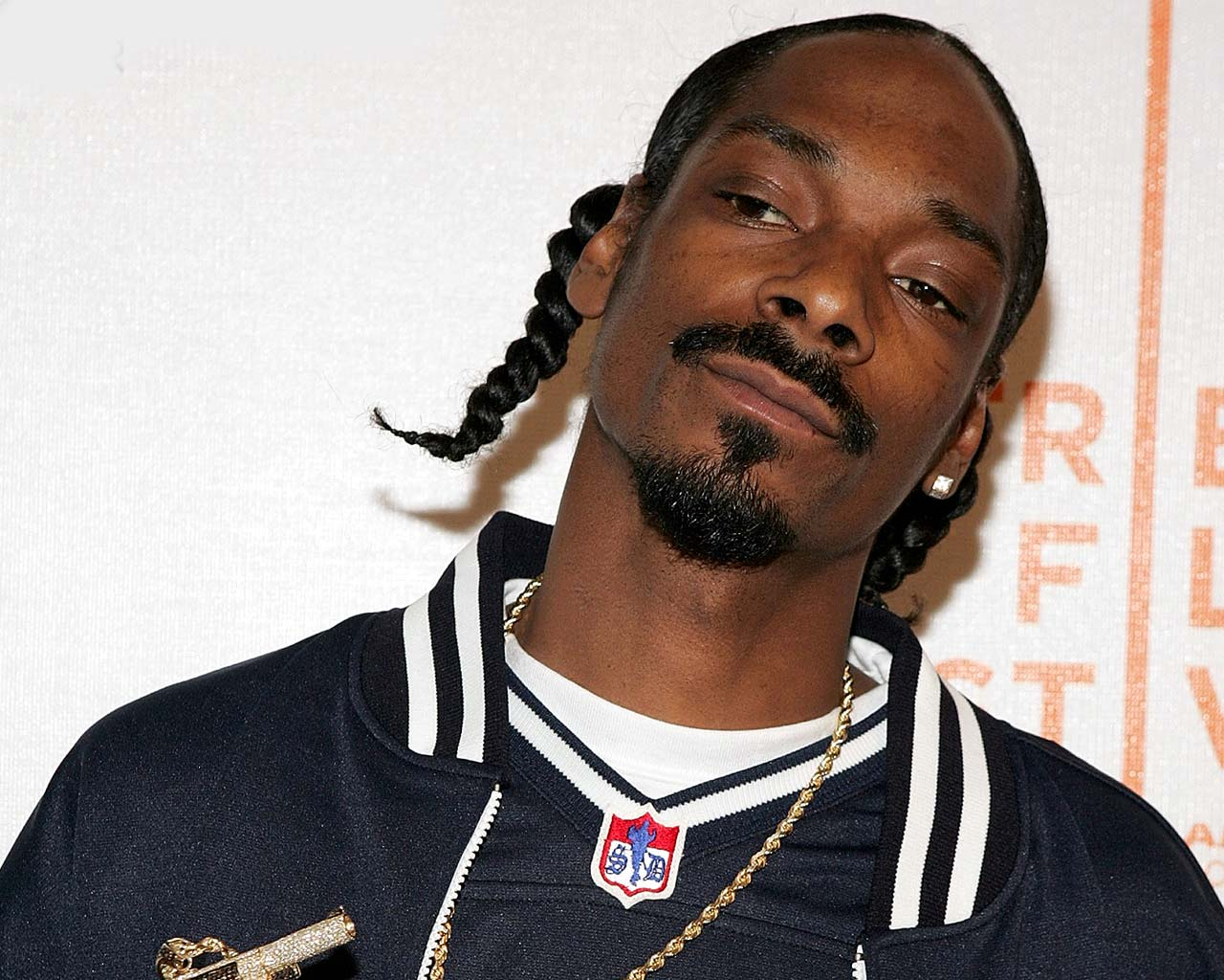 Snoop Dogg Talks Female Rappers, Pharrell, And More With D.L. Hughley - Rap Basement