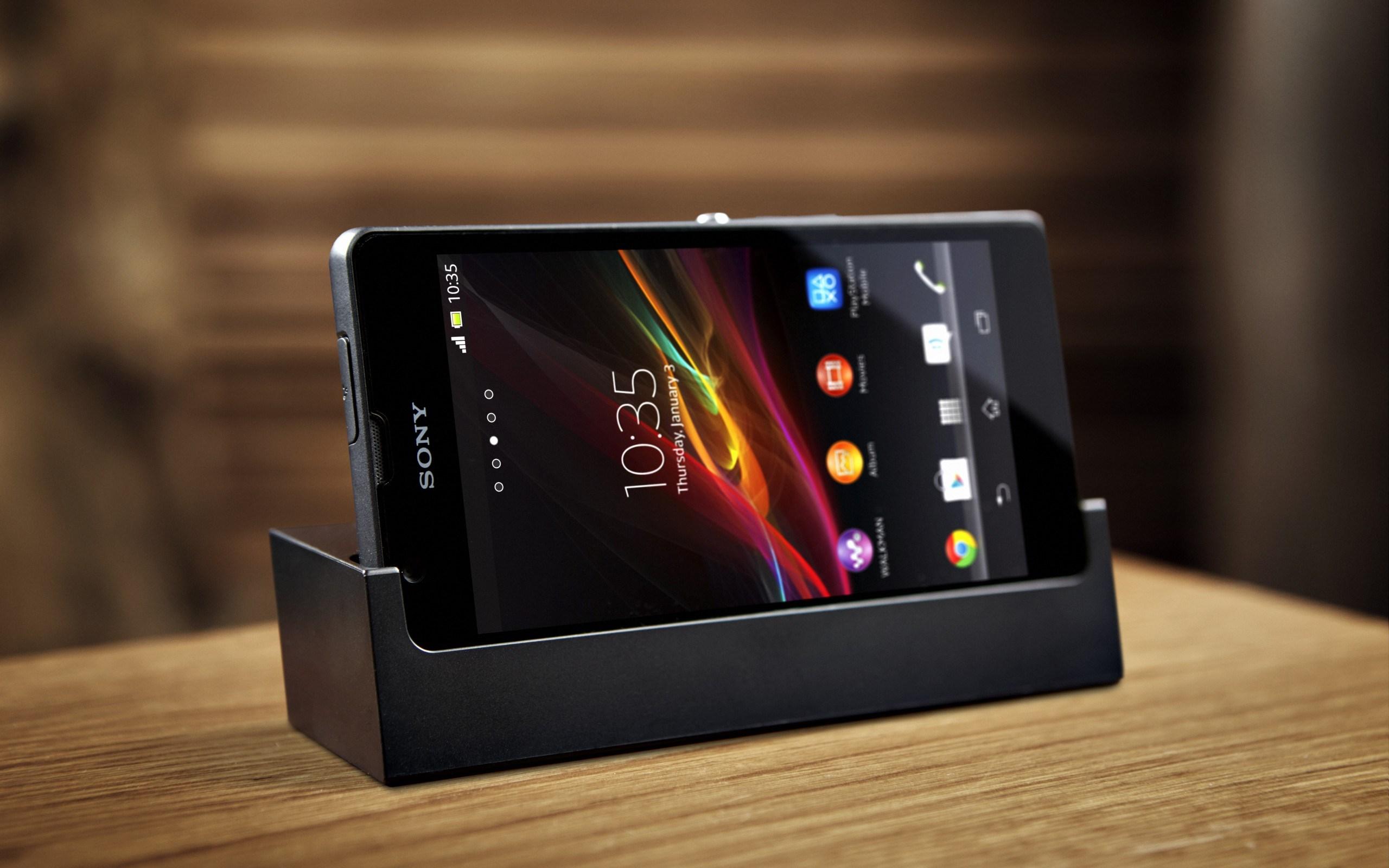 Sony Xperia ZR Station Hi-Tech