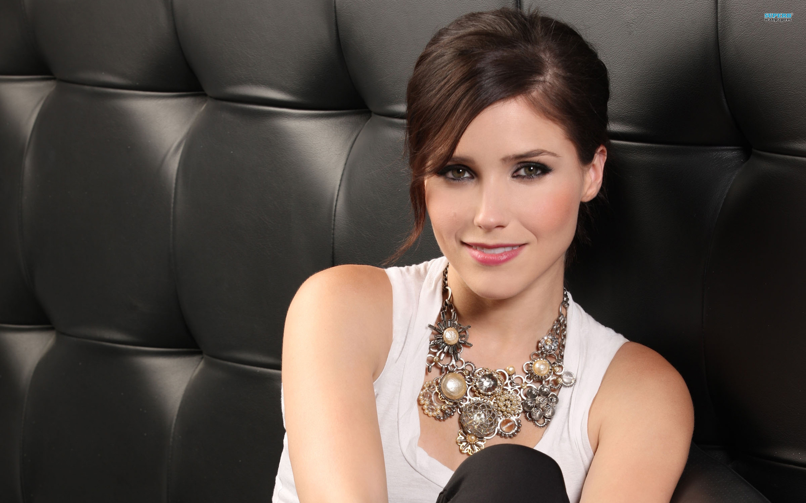 Sophia Bush wallpaper 2560x1600 jpg