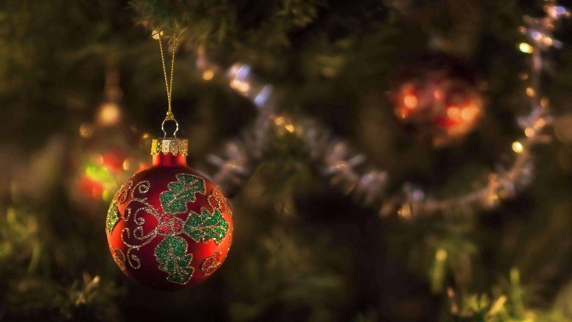 Spruce Fir Tree New Year Christmas Ball