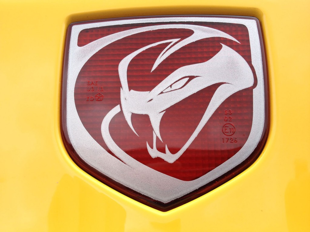 SRT Viper Logo