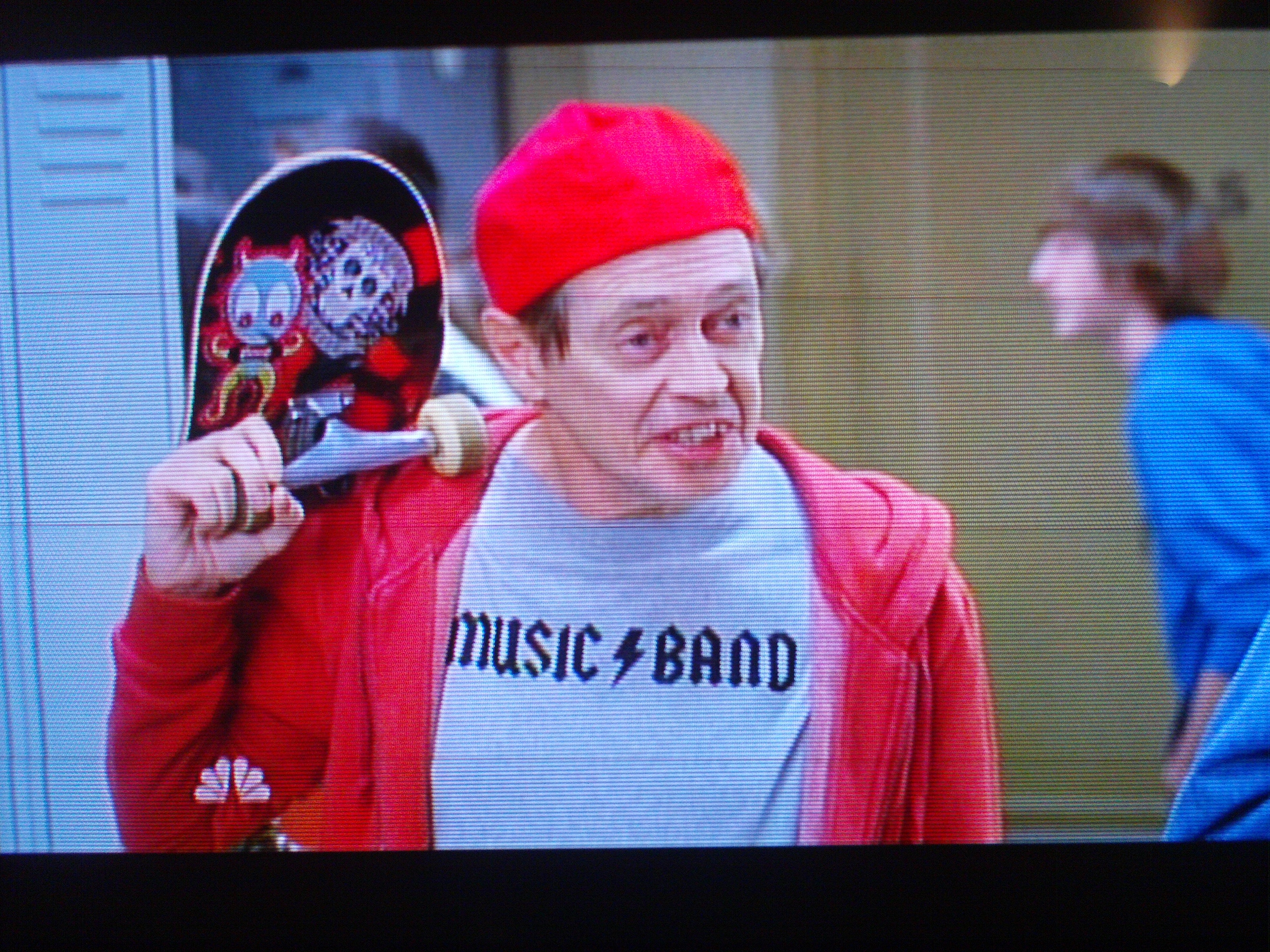 Someone was watching 30 Rock, saw Steve Buscemi wearing this, took a picture of their TV screen, and sent it to us.