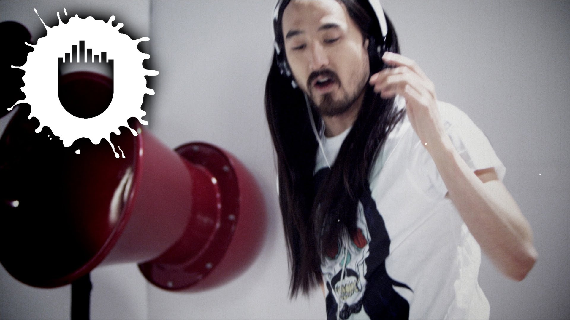 Steve Aoki feat. Rob Roy - Ooh (Official Video)