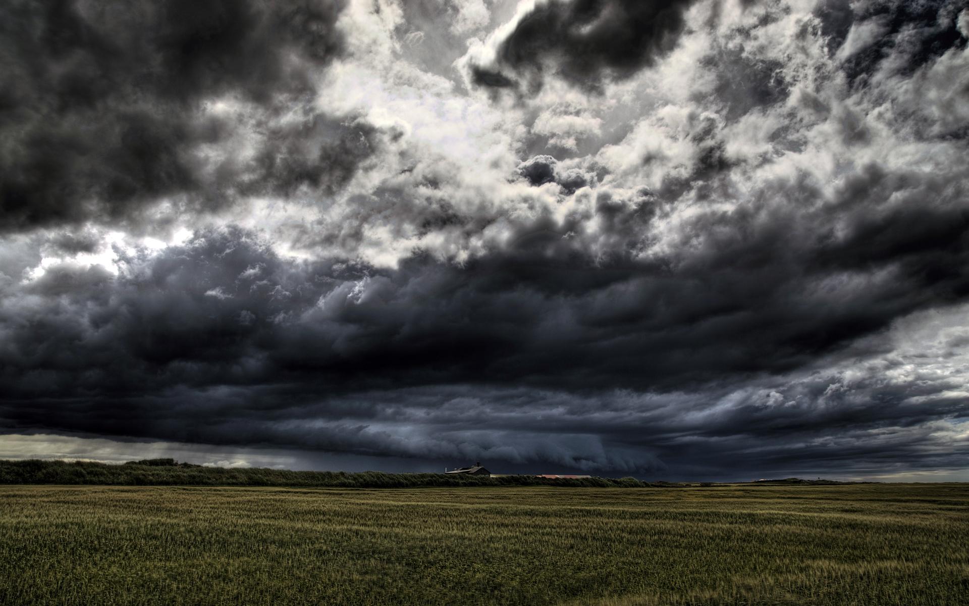 Dark Clouds magnificent_storm_clouds