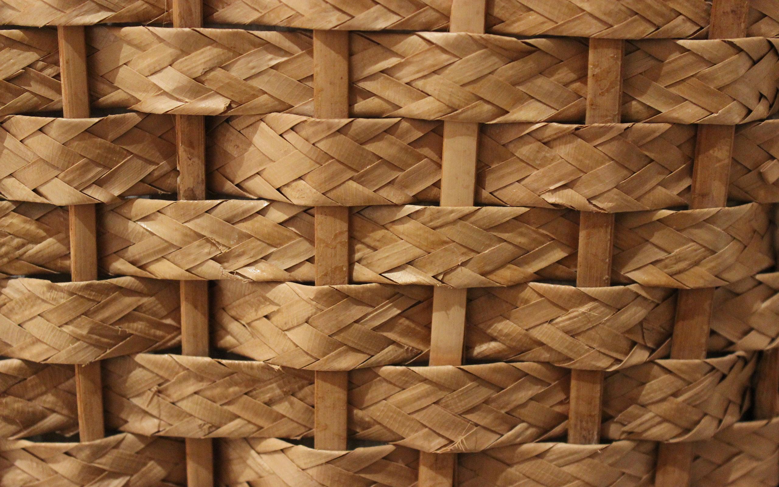 Straw texture wattle