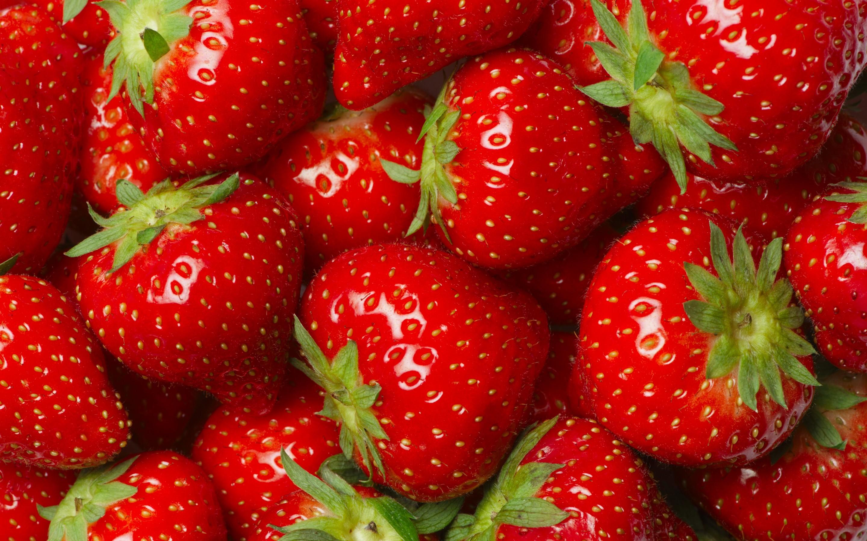 Strawberries Wallpaper