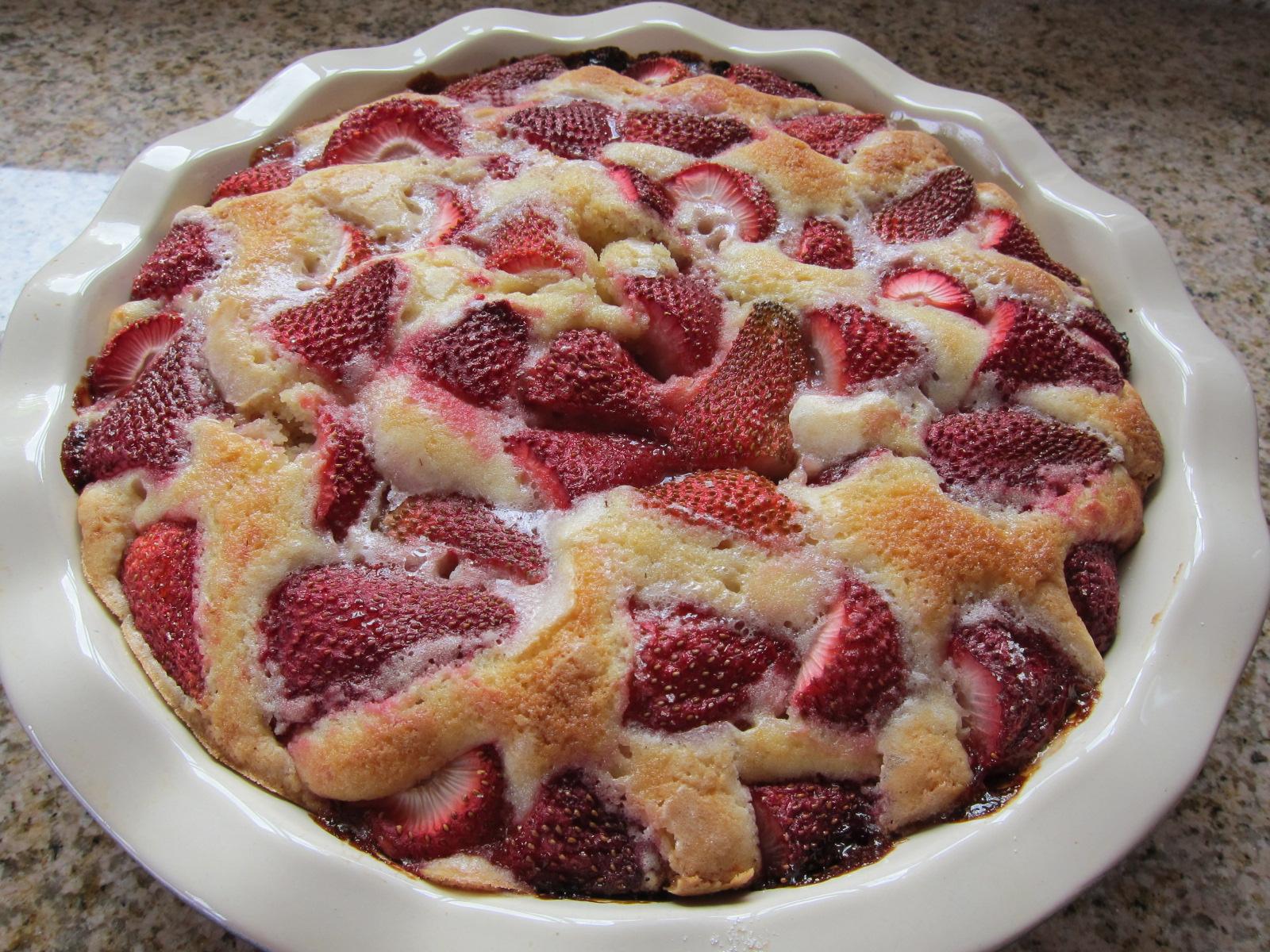 To celebrate Memorial Day weekend, I'm sharing one of my favorite summer dessert recipes — Smitten Kitchen's Strawberry Summer Cake.
