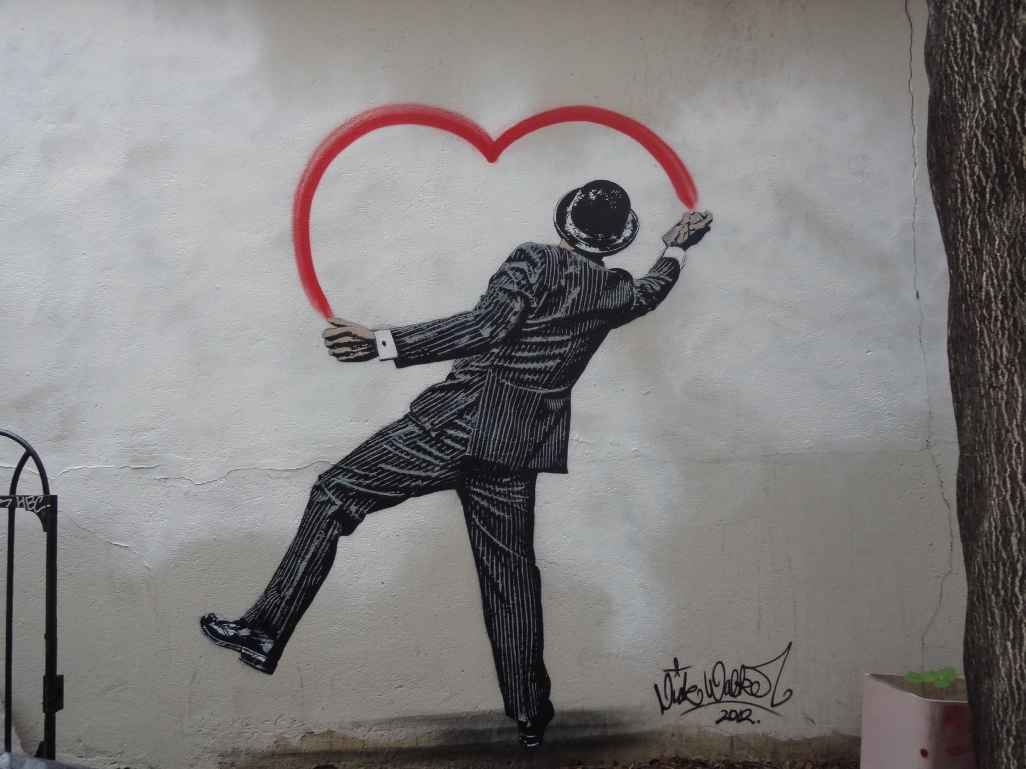 Thanks to Street Art Paris for the photo!