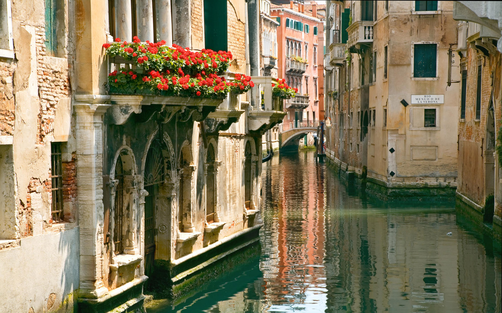 original wallpaper download: The streets of Venice - 1920x1200