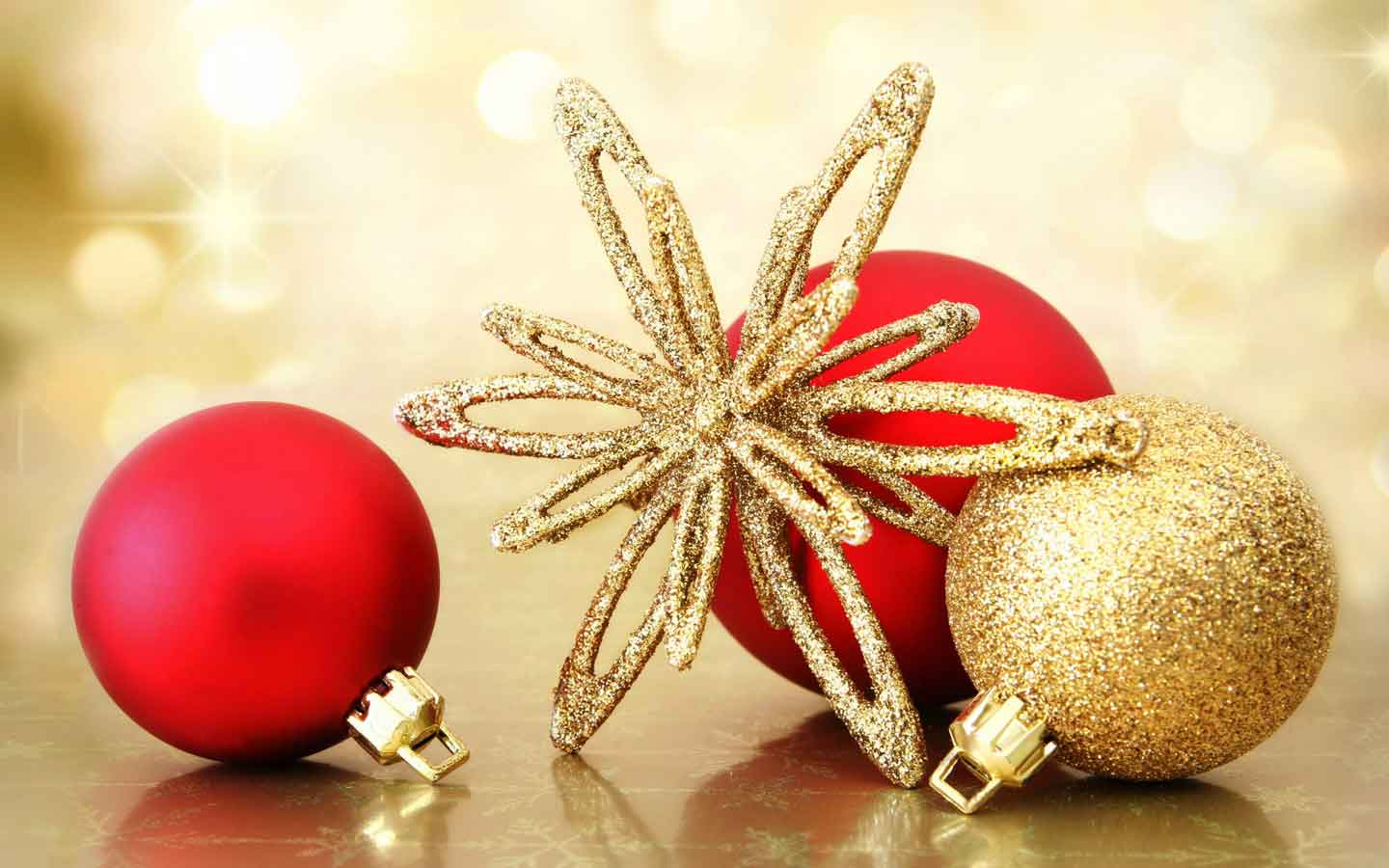 Stunning Christmas Ornaments Wallpaper