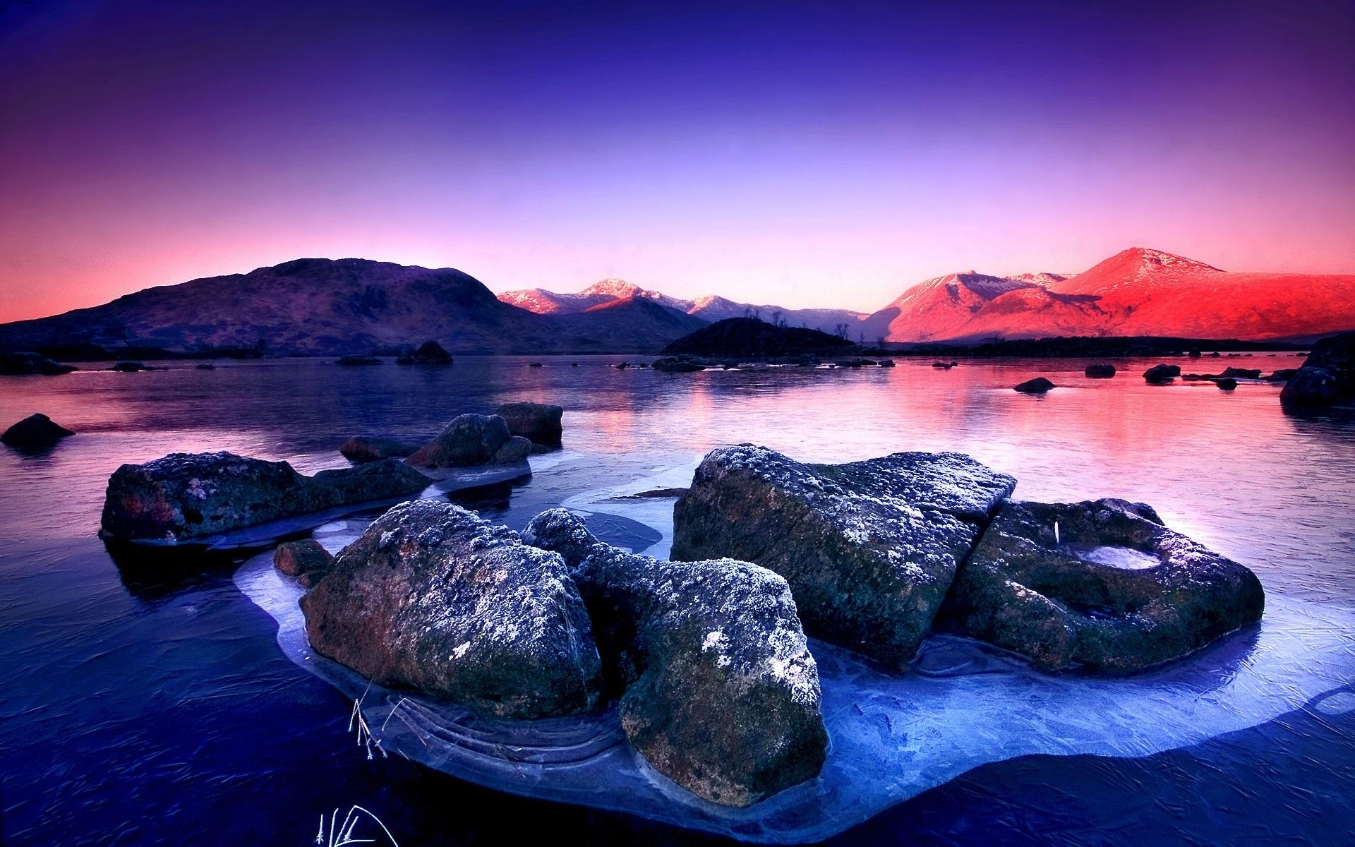 Stunning Frozen Lake Wallpaper