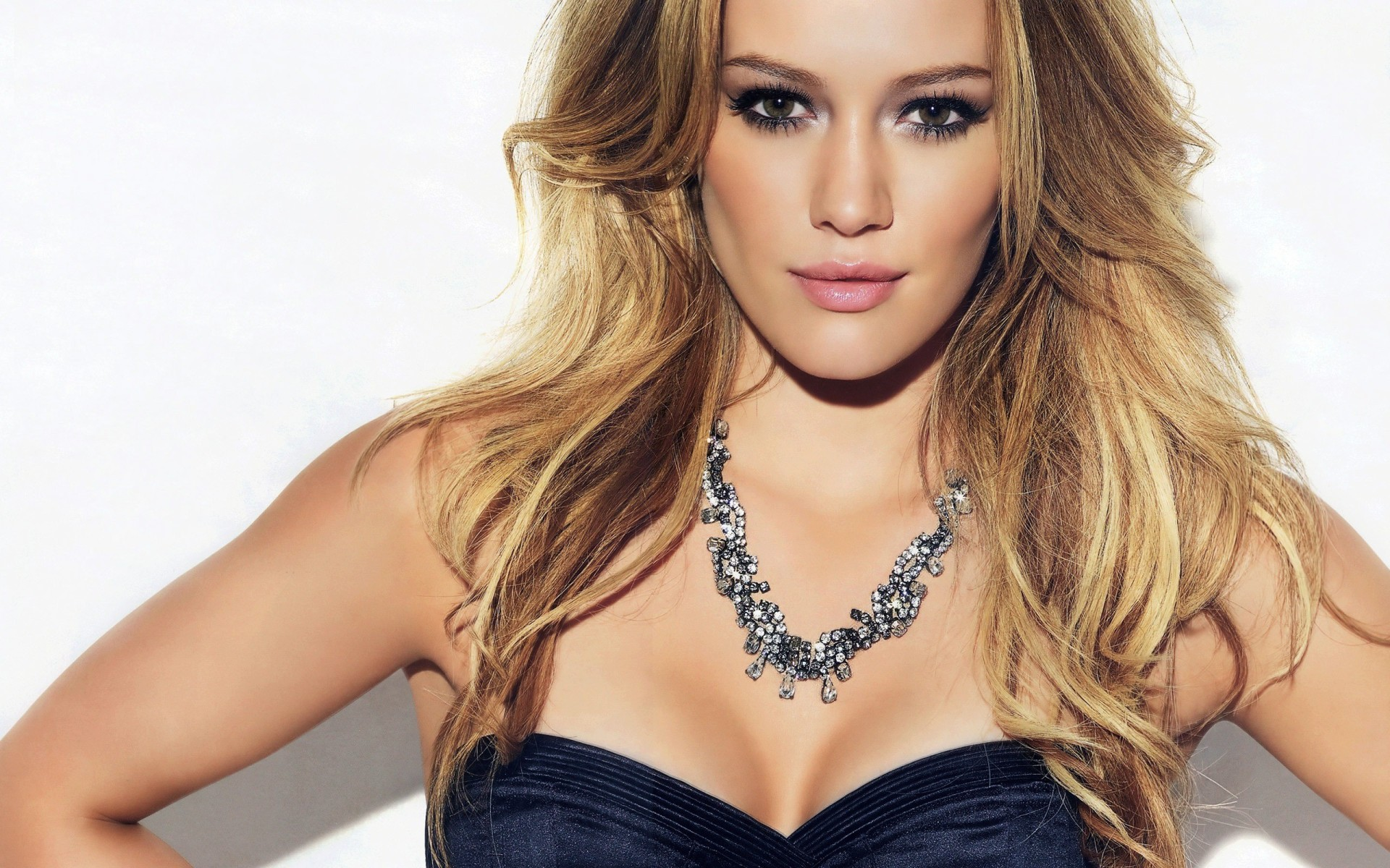 Stunning Hilary Duff