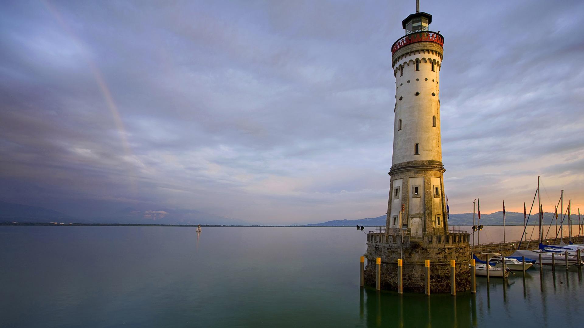 Stunning Lighthouse Wallpaper