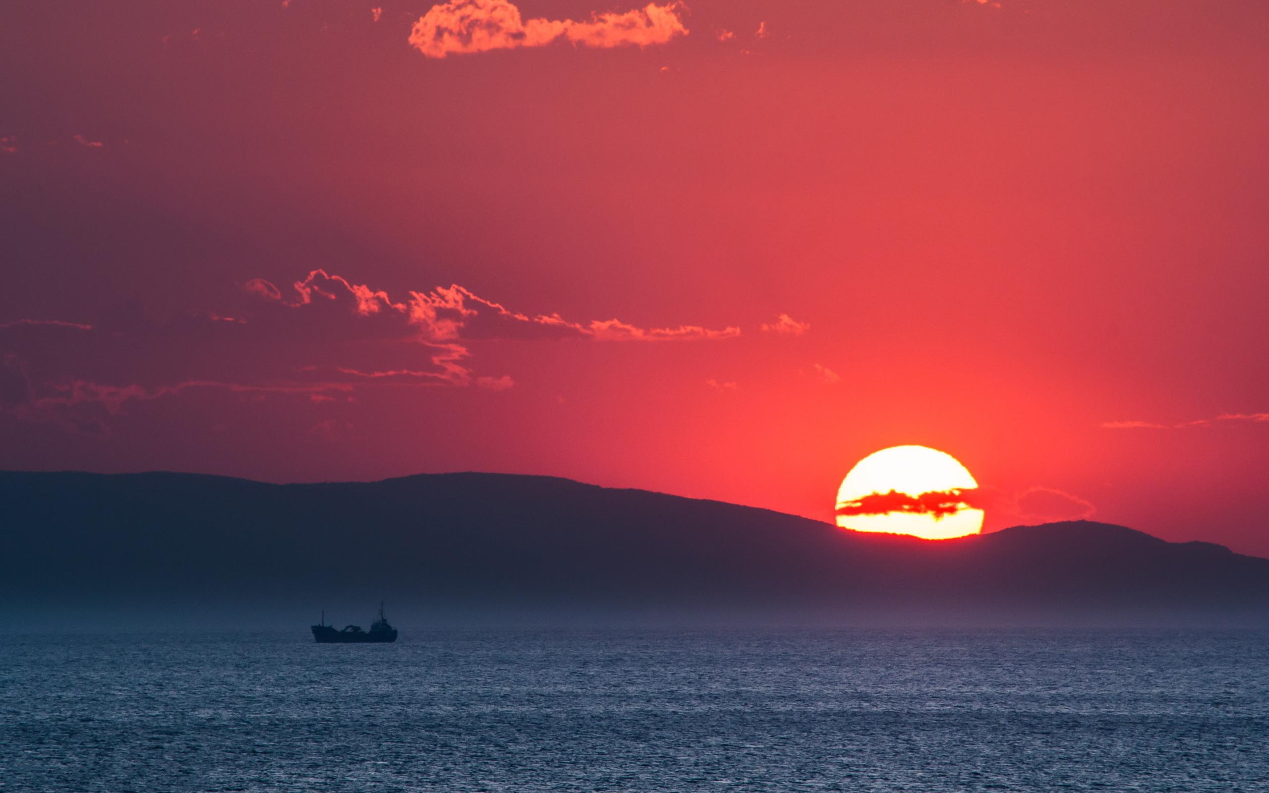 Sunset evian gulf greece