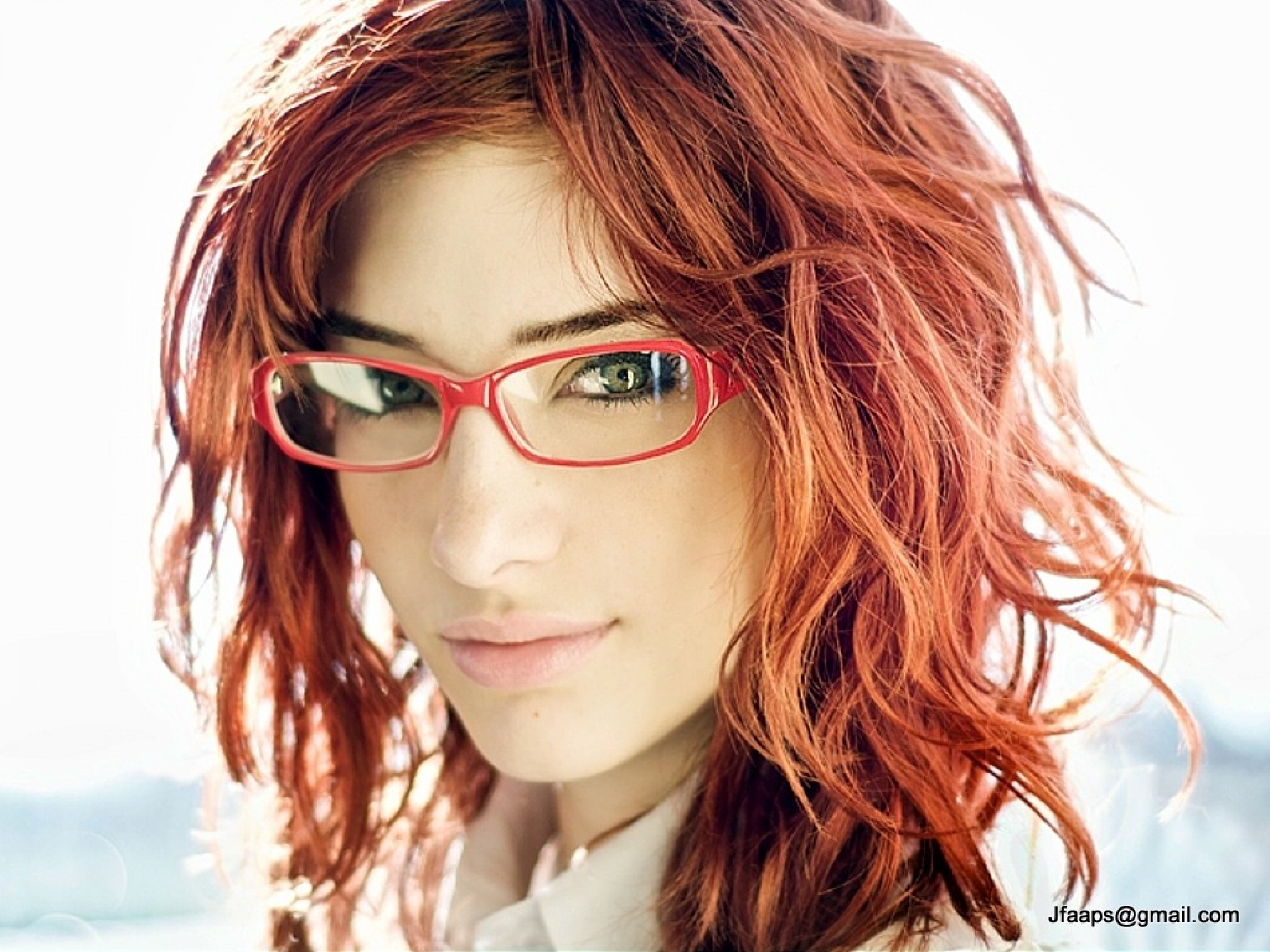 2560x1920 Celebrity Susan Coffey