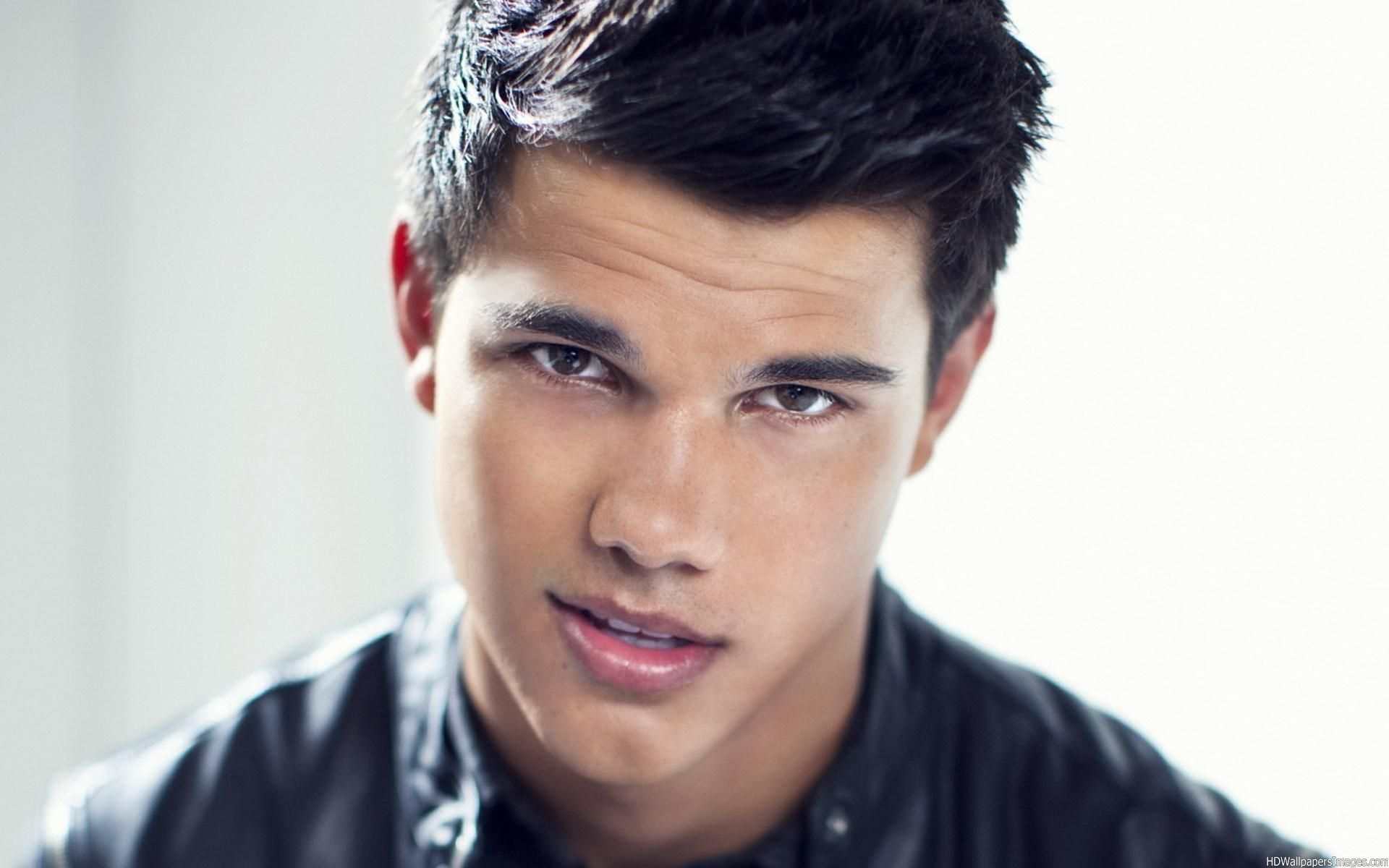 Taylor Lautner 2014 Images