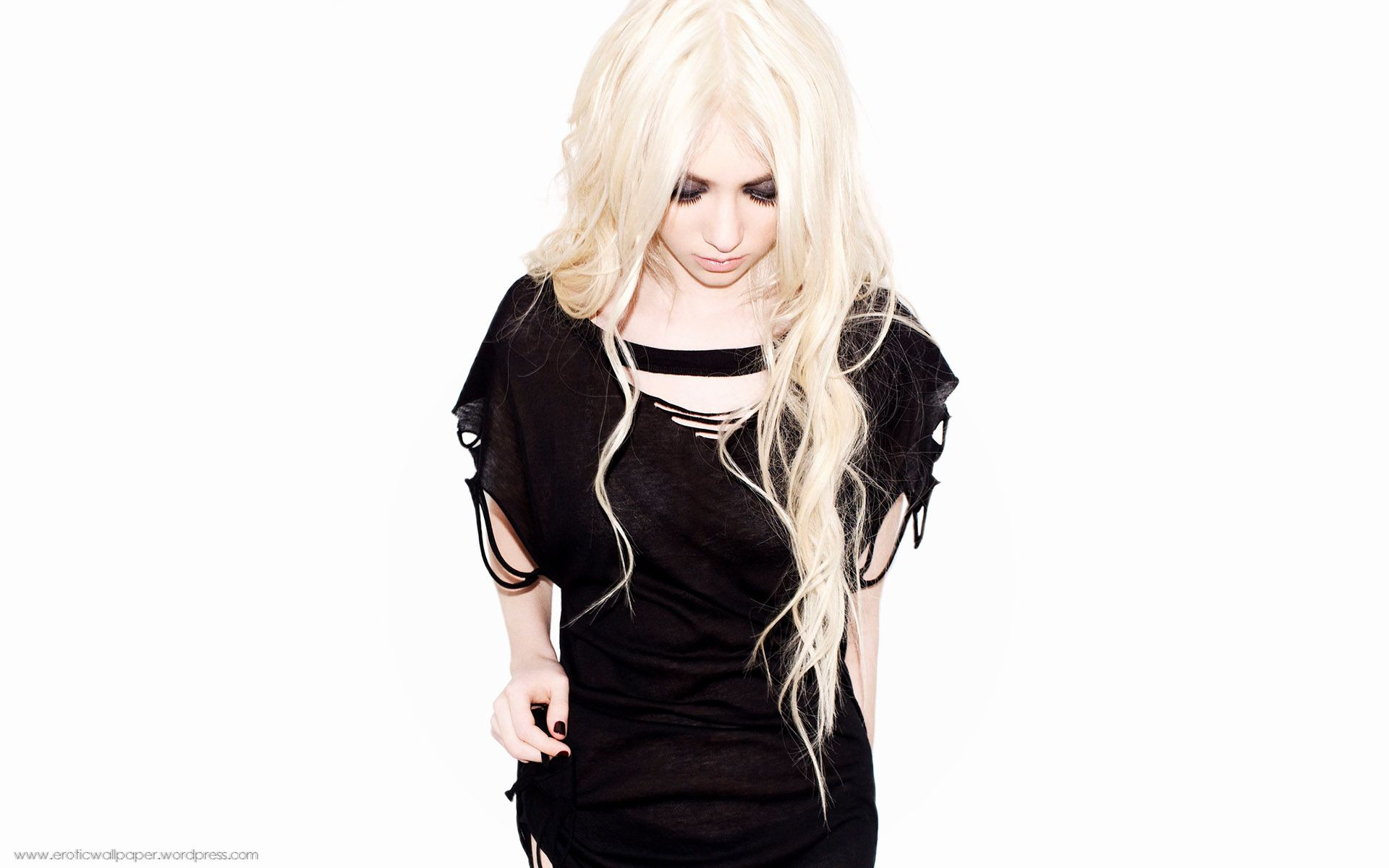 ... beautiful-taylor-momsen-hd-wallpapers ...