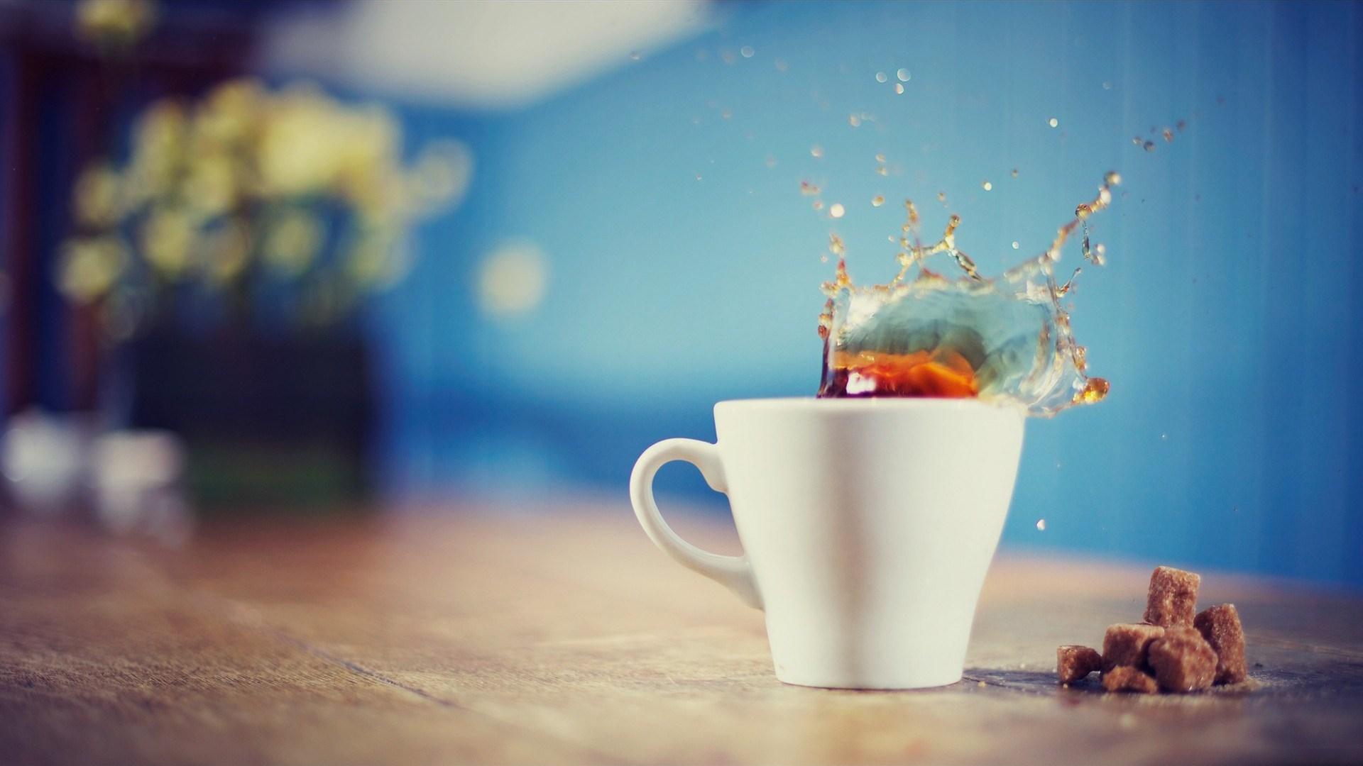 Tea Splash Cup Macro