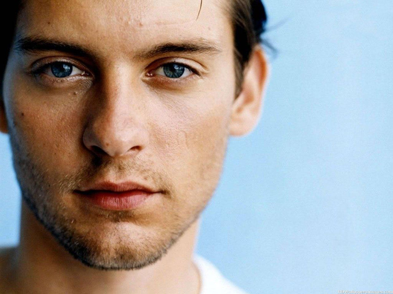 In the wake of Facebook's $1 billion acquisition of Instagram, photo sharing is the hot new space. Tobey Maguire, 36, got in early on Mobli, ...