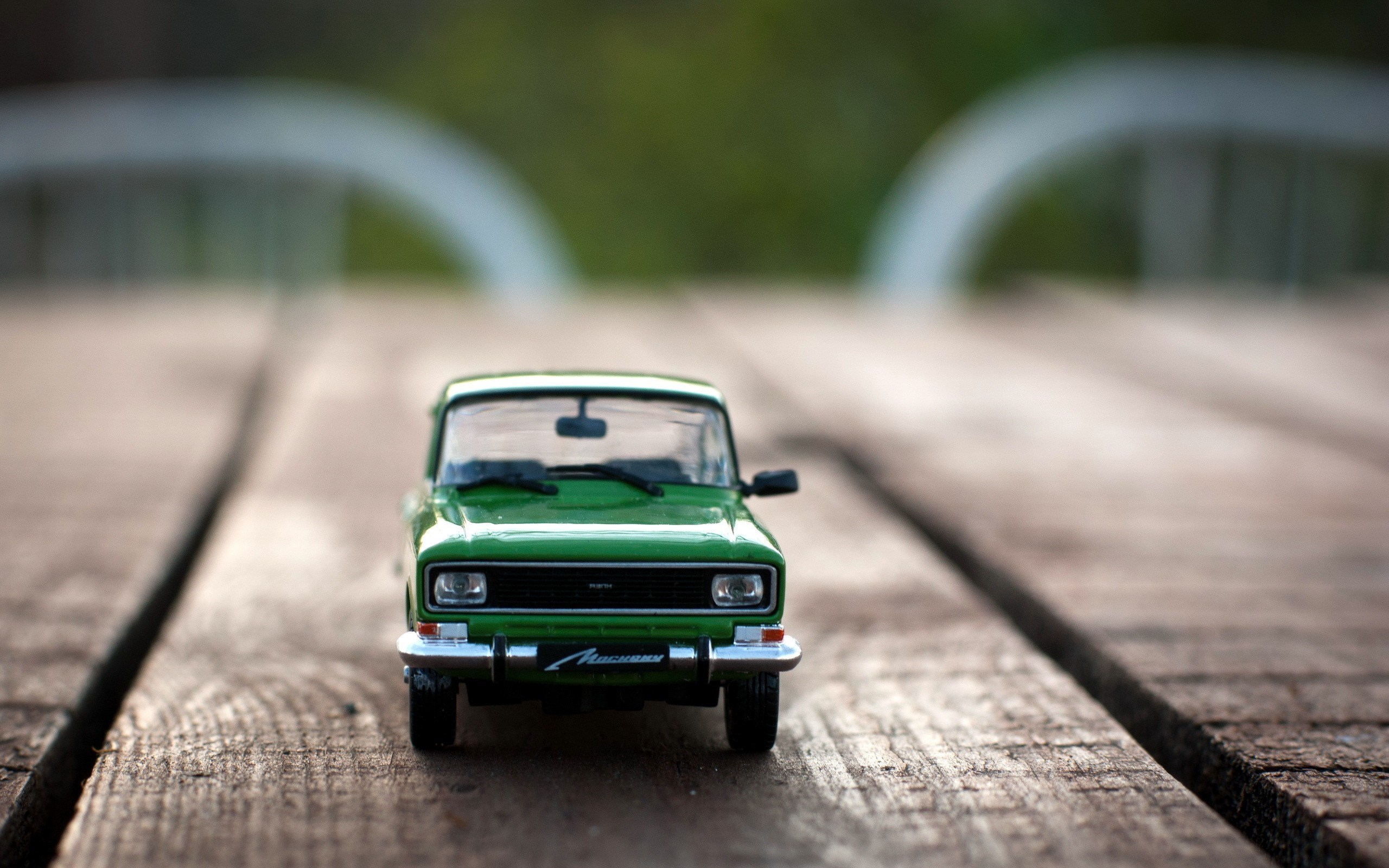 Green Toy Car Wooden Board HD Wallpaper