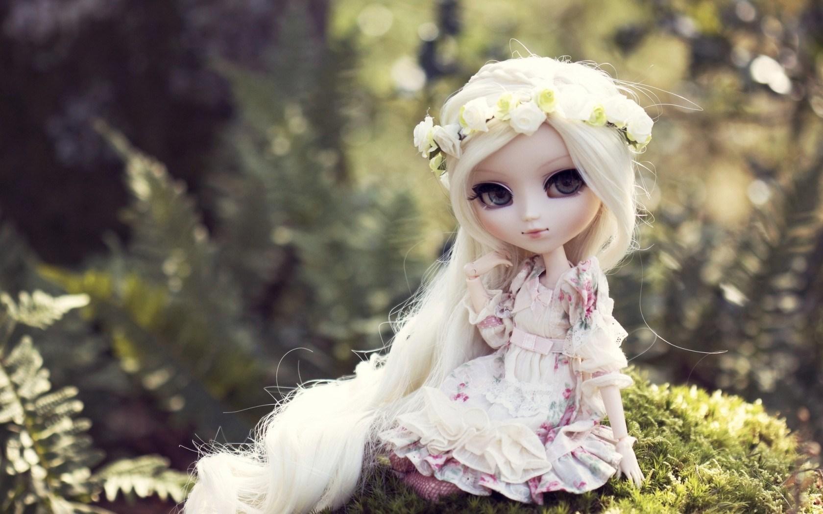 Toy Doll Blonde Hair Wallpaper