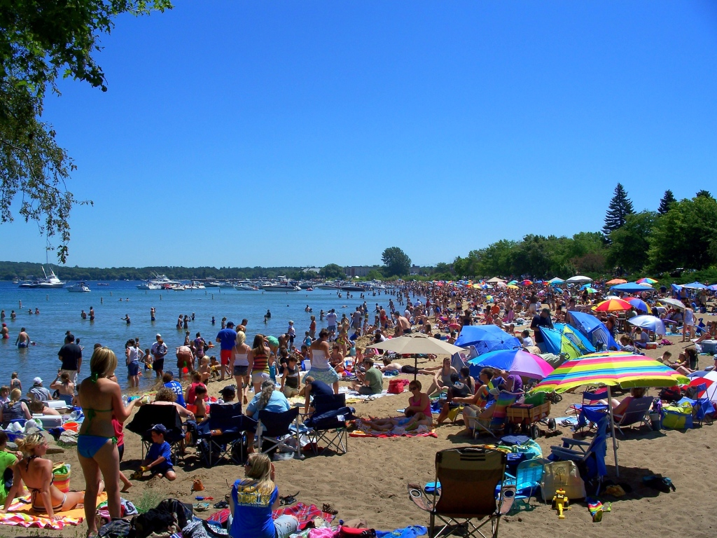 clinch-park-beach-cherry-festival-traverse-city-michigan-
