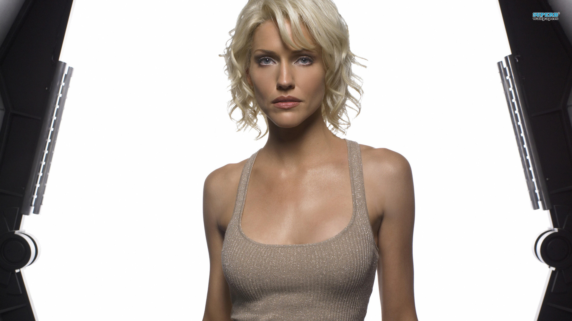 Tricia Helfer wallpaper 1920x1080