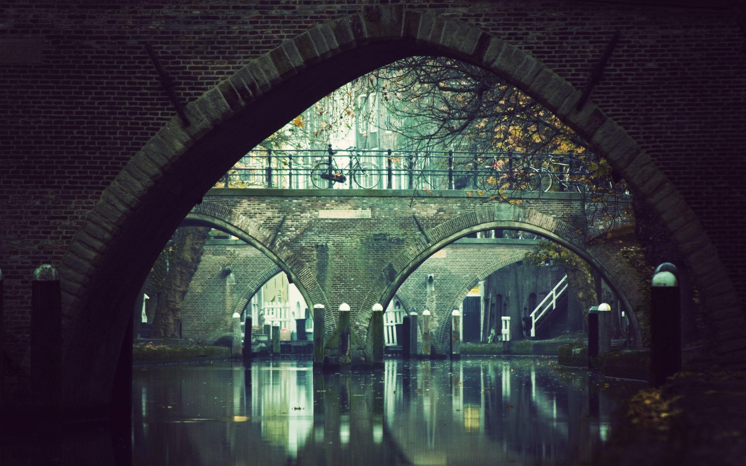 Under Bridge Pictures