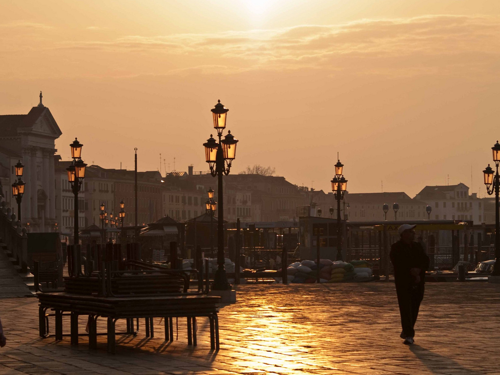 ... Venice Italy - Sunrise On the boardwalk next to St Marks | by les abeyta