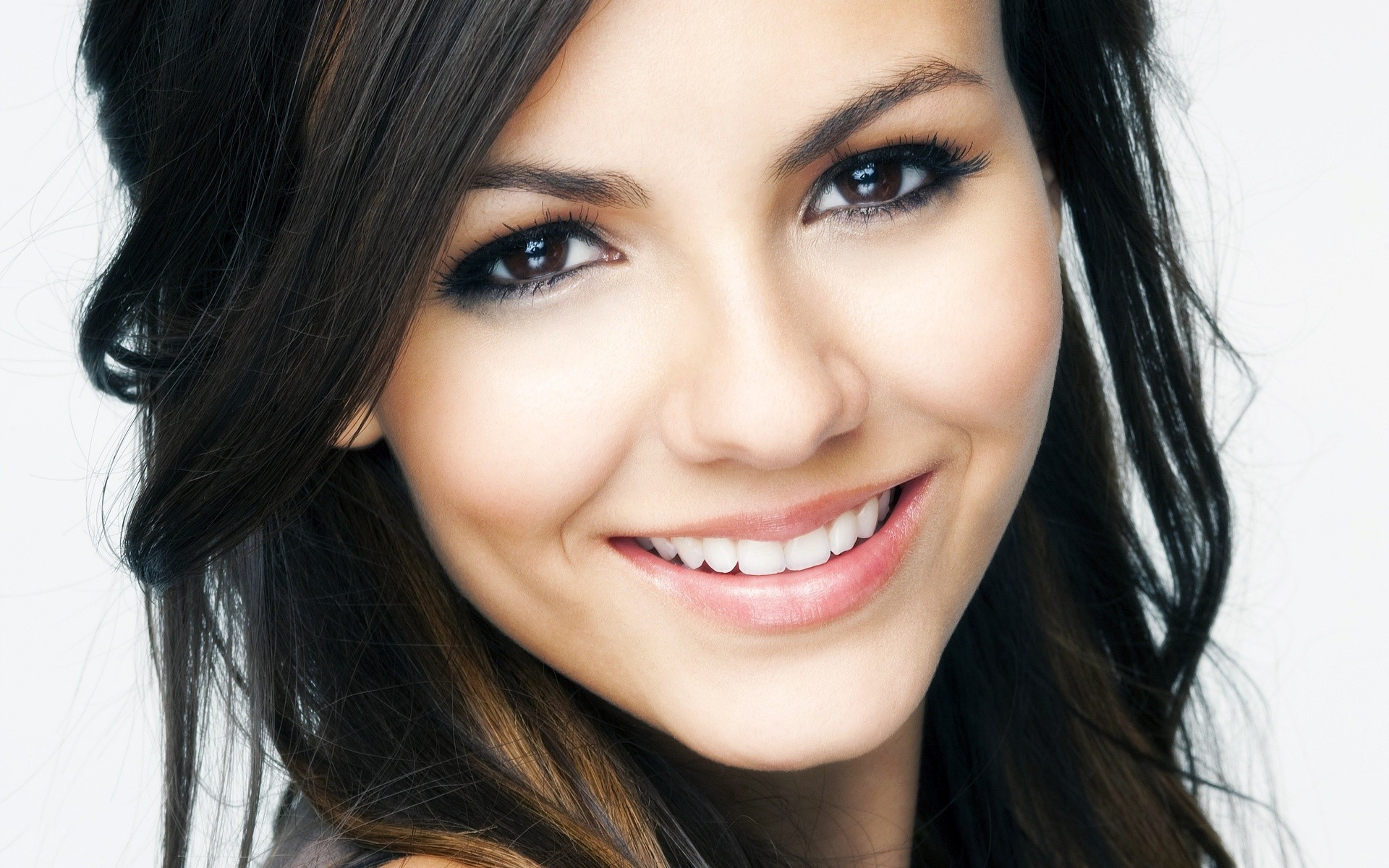 Victoria Justice Smile